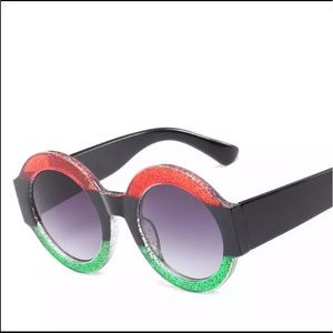 ✨♥️Round Thick Frame Red/Black/Green Sunglasses 💚